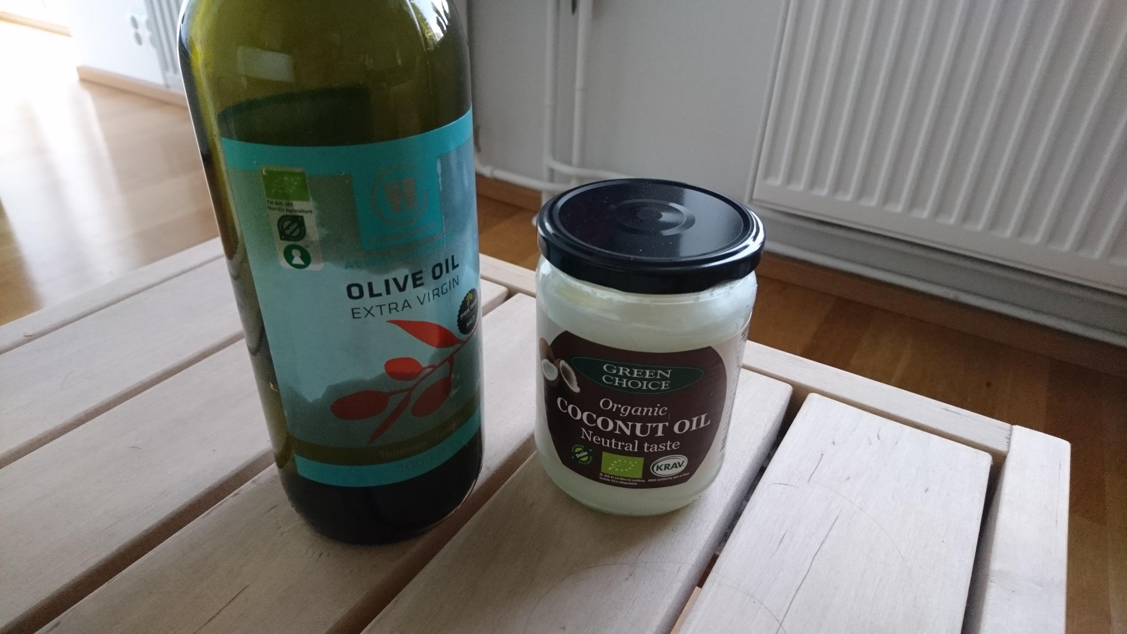 Oliven- und Kokosöl gehören zu den besten Alternativen, wenn Sie Butter durch Öl ersetzen wollen.