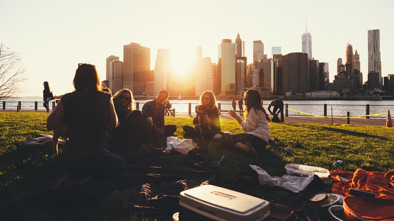 7 Picknick-Ideen ohne kochen: So geht's ganz ohne Stress