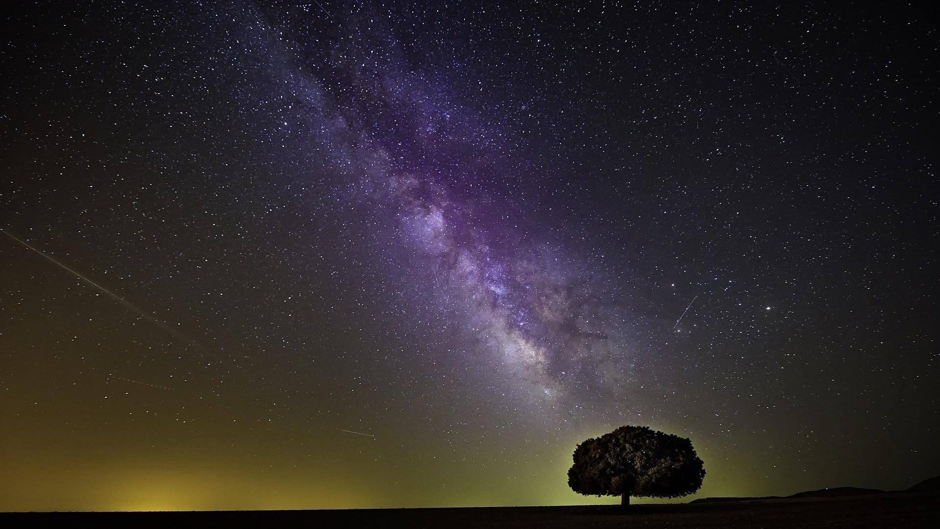 Die Milchstraße zu finden und sich am Himmel zu orientieren und ist mit ein paar Tipps ganz leicht.