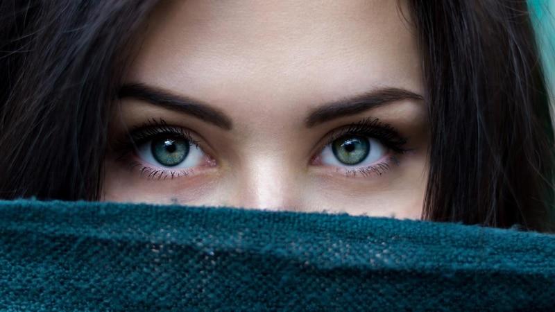 Augenbrauen vermessen: Das müssen Sie wissen