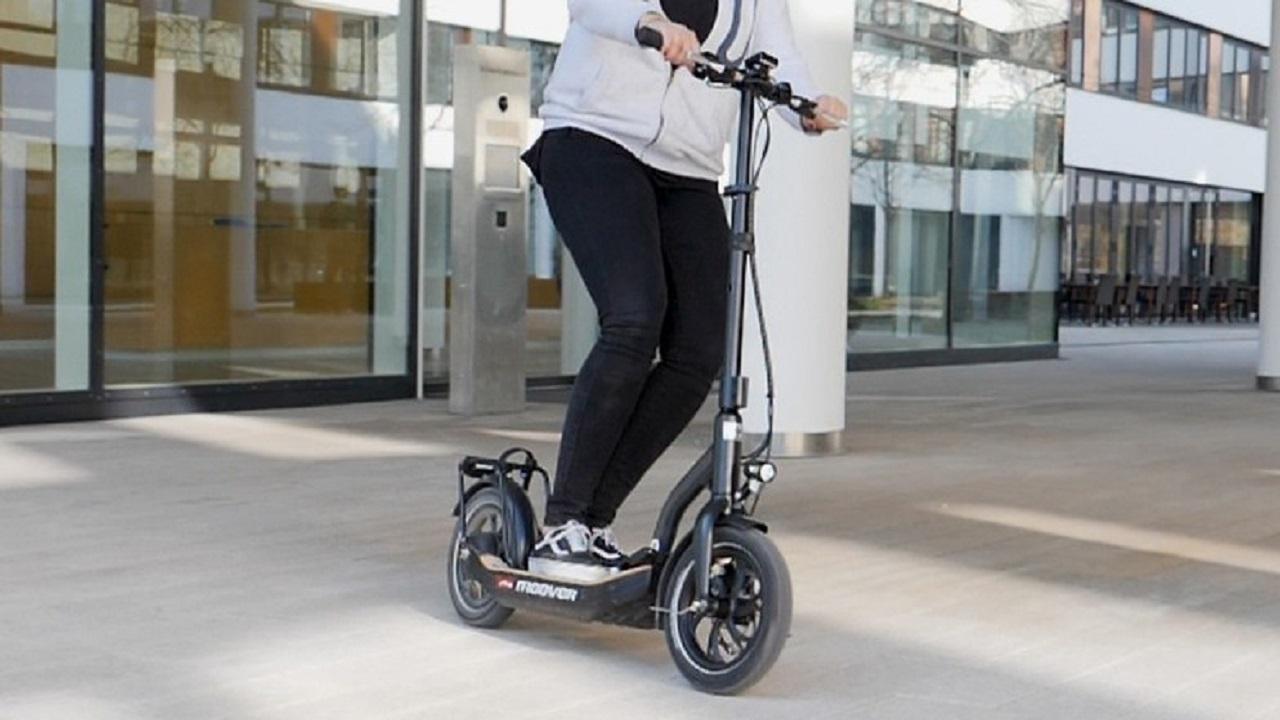 E-Scooter-Versicherung: Kosten und Anbieter im Überblick