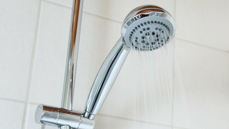 Dusche reinigen: Mit diesen Tipps geht es blitzschnell