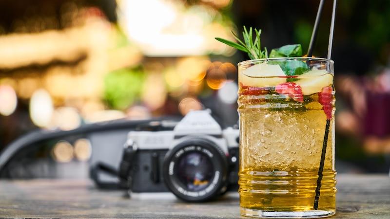 Zu Weihnachten sind alkoholische Cocktails mit Frucht sehr beliebt – So machen Sie sie selbst