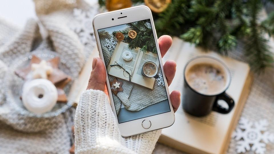 Smartphone-Akkus entladen sich im Winter schneller