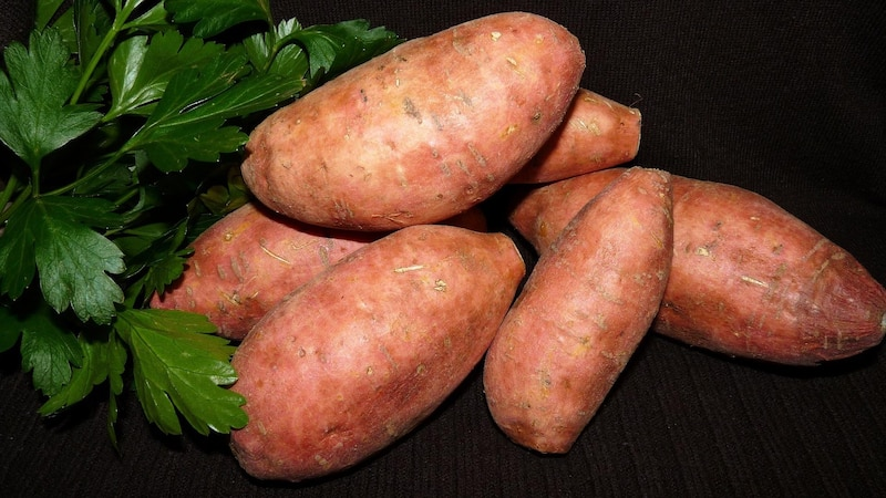 Süßkartoffel-Pommes ganz einfach selber machen: So gelingen sie perfekt