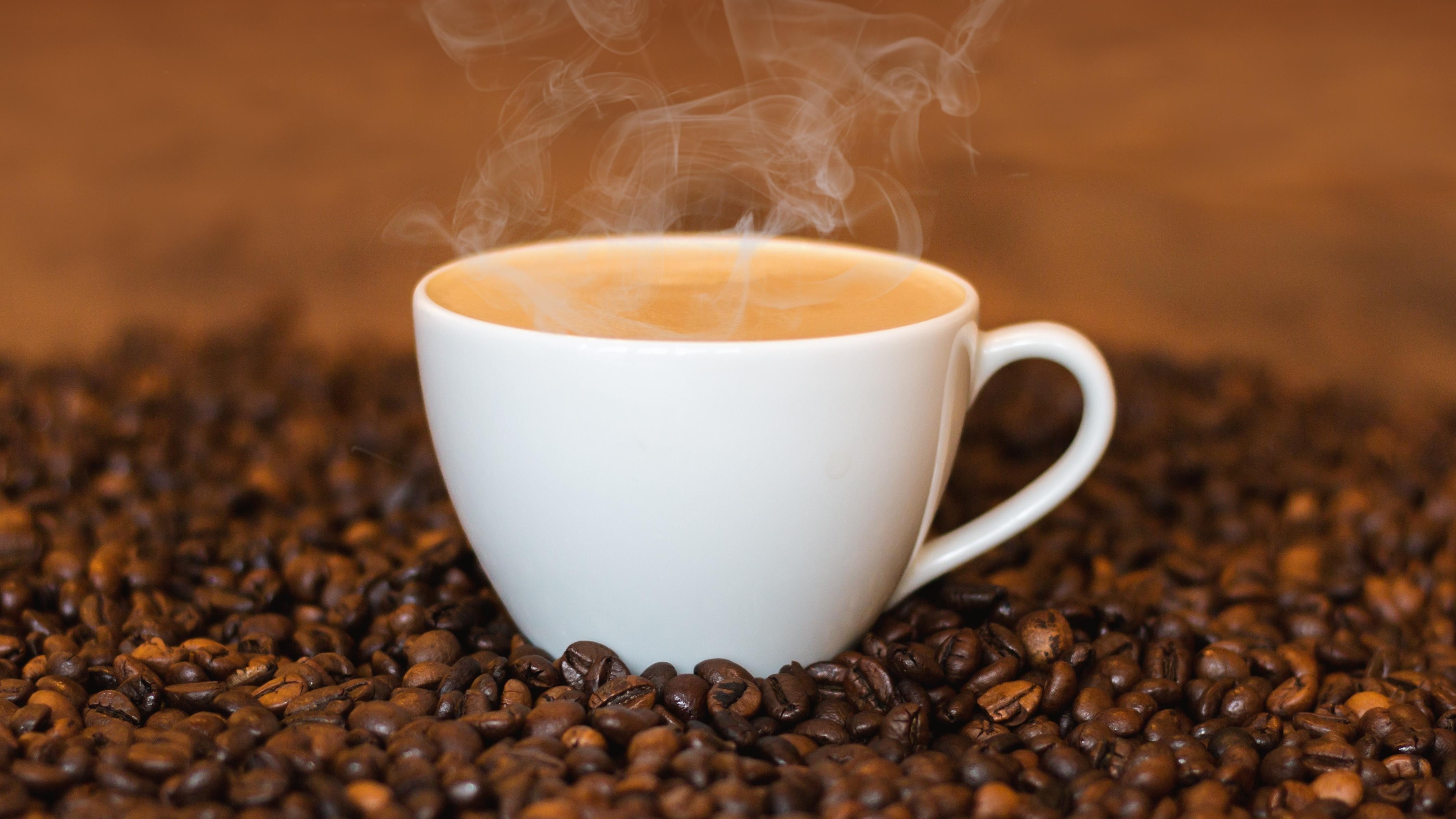 Morgens Kaffee trinken - ist das gesund?