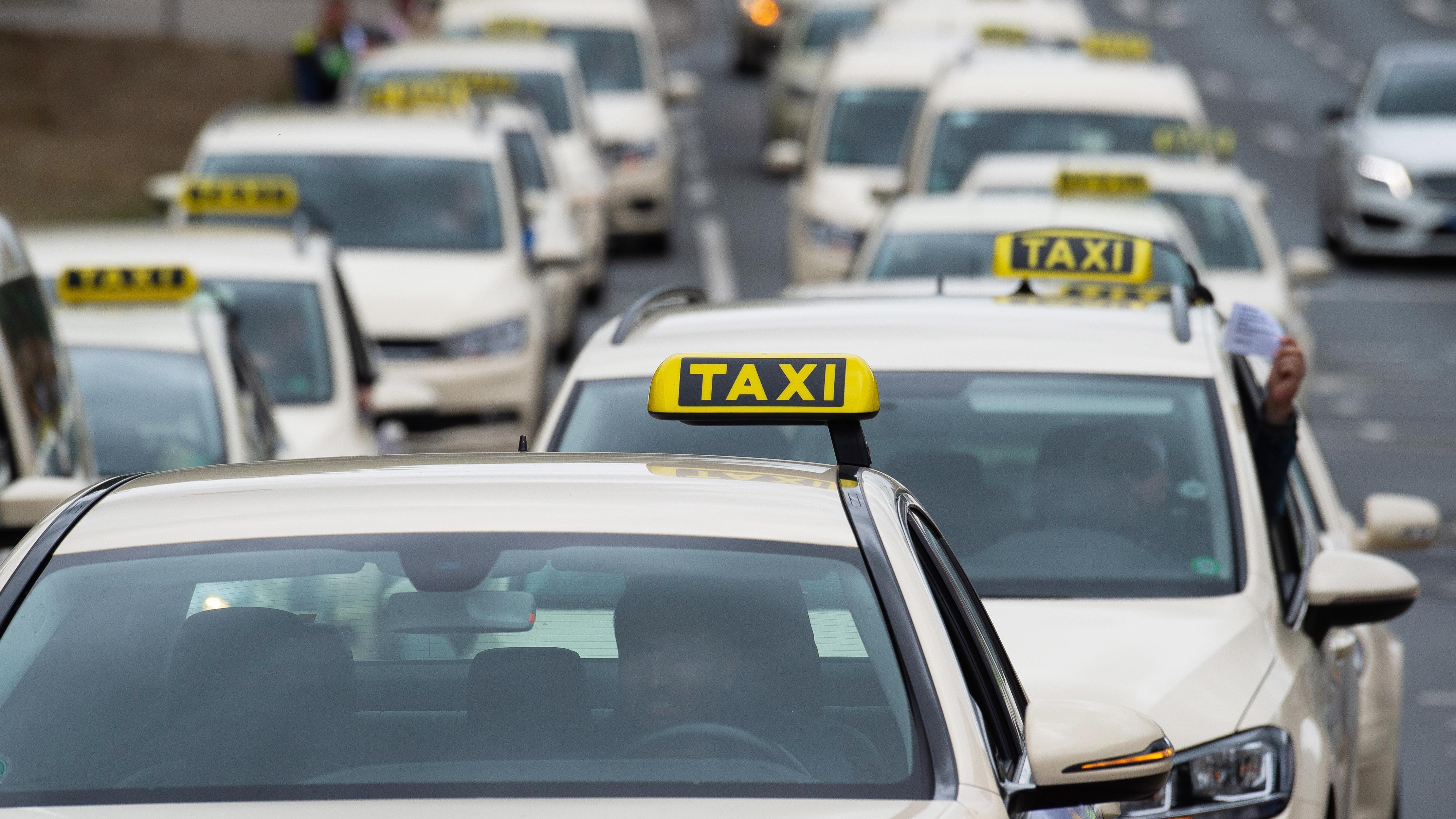 Coronavirus: Taxi fahren - das müssen Sie beachten