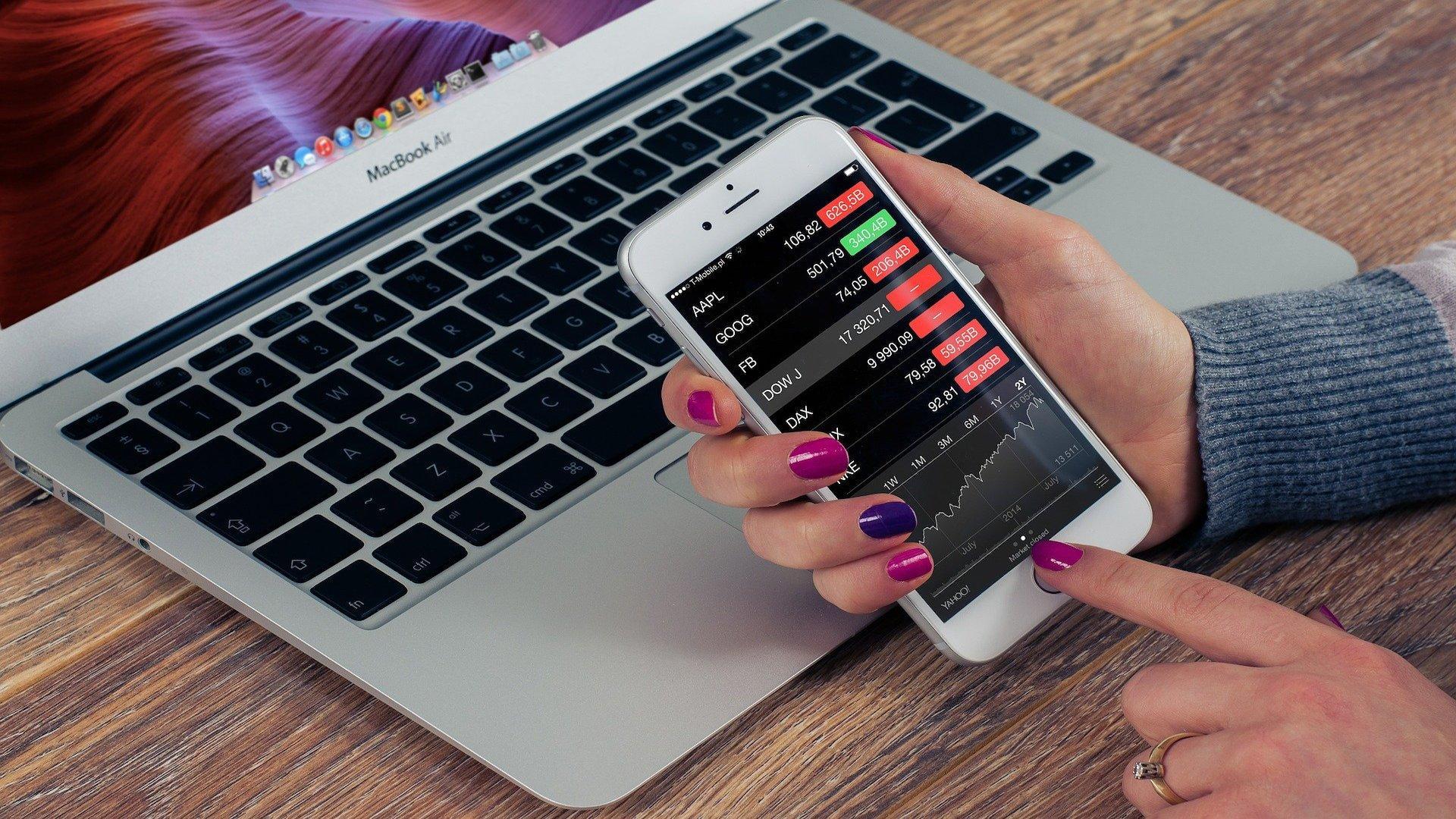 Aktien können Sie mit der App Trade Republic leicht handeln