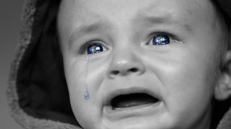 Baby ist nachts oft unruhig: Was Sie dagegen tun können