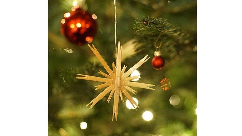 Aus Ästen, Zweigen oder Strohhalmen lassen sich schöne Sterne basteln.