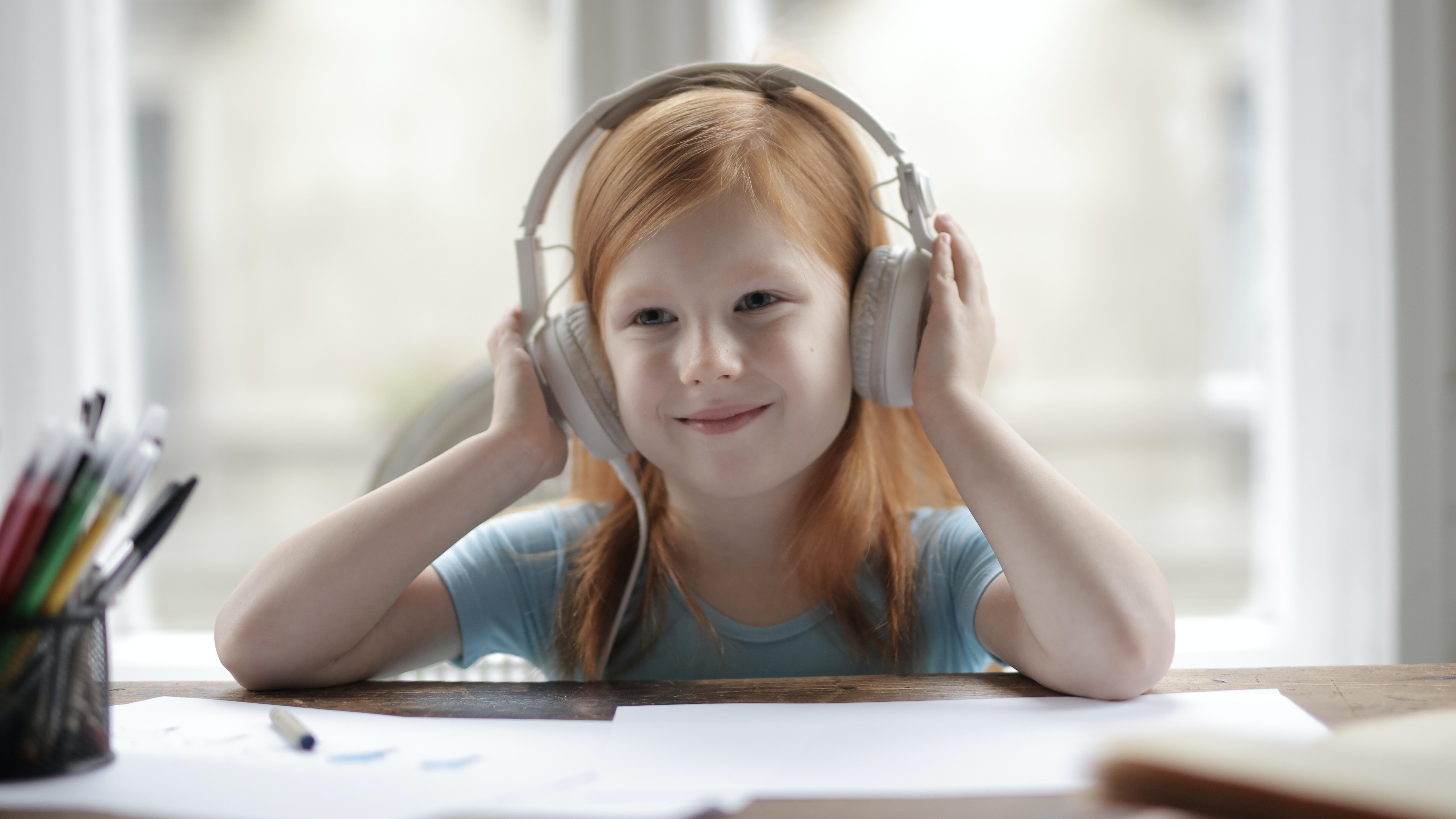 Podcast für Kinder: Die besten Podcasts gegen Langeweile