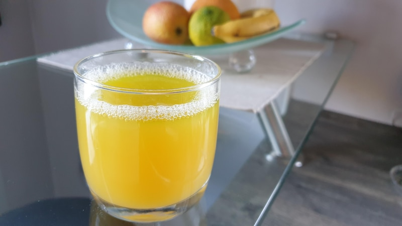 Fruchtfliegenfalle selber machen: Trick gegen Obstfliegen