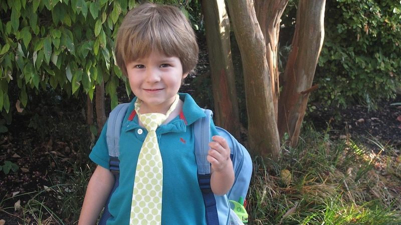 Vorschulkinder haben andere Dinge in der Kindergartentasche als Kindergartenneulinge.