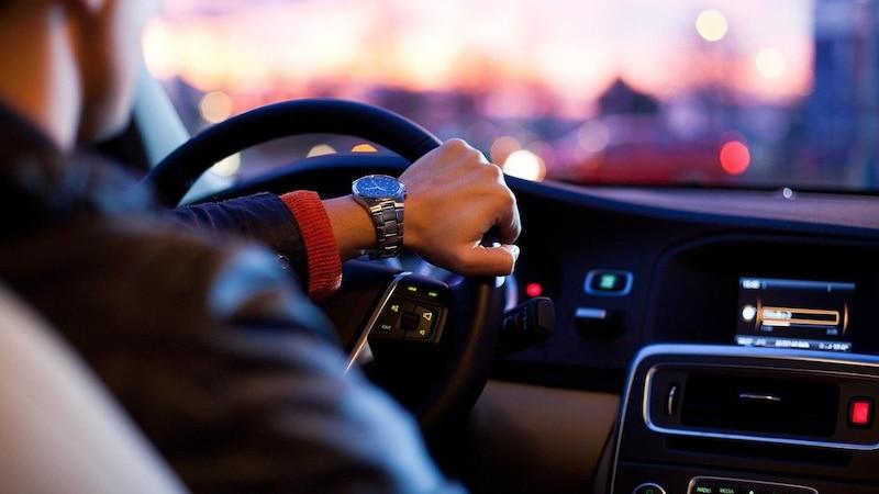 Fahrzeugschein lesen: So finden Sie alle wichtigen Infos