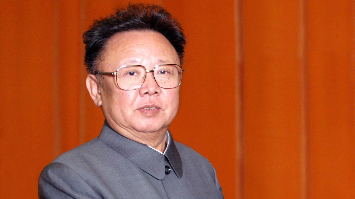 Sein Großvater Kim Il-Sung hatte die Demokratische Volksrepublik Korea 1948 gegründet, sein Vater Kim Jong-Il (Foto aus dem Jahr 2006) regierte Nordkorea bis 2011.
