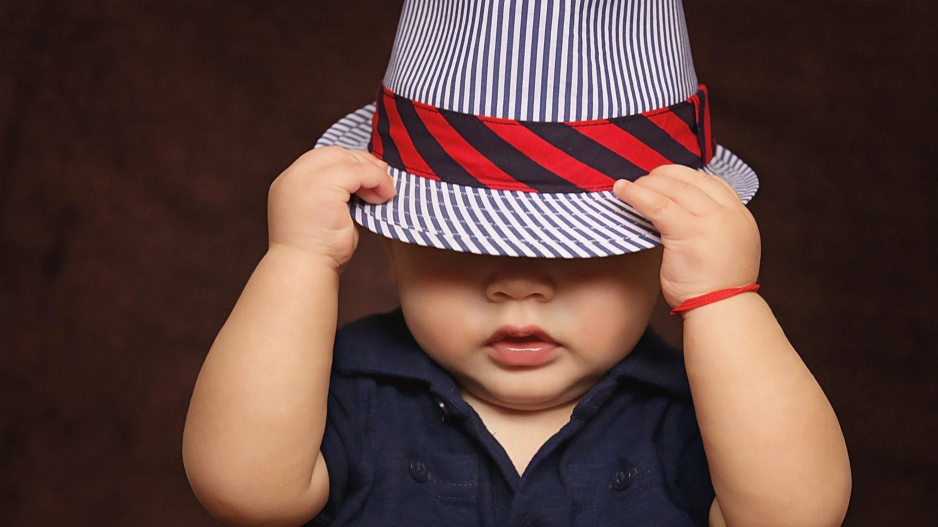 Jungennamen: Beliebte und seltene Namen für Jungs