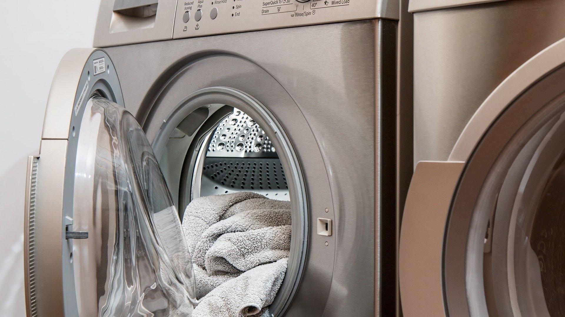 Mit Natron Wäsche waschen: Das sind die Vorteile