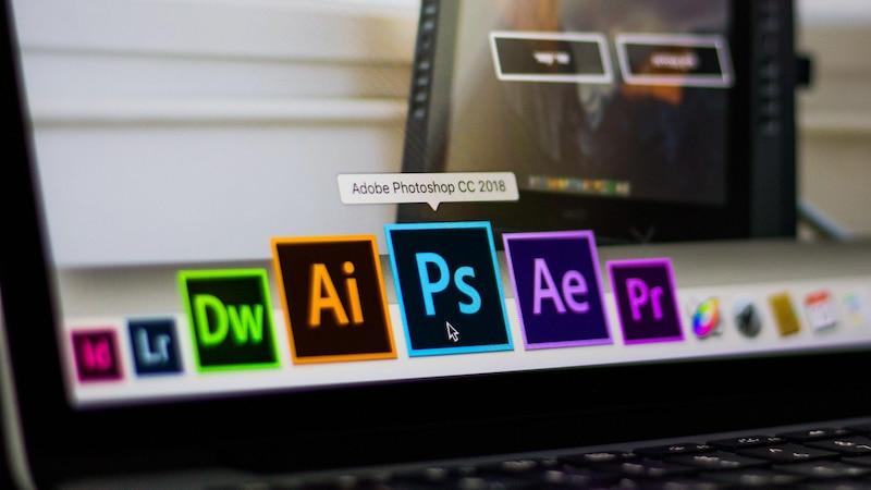 Adobe Illustrator: Text in Pfade umwandeln
