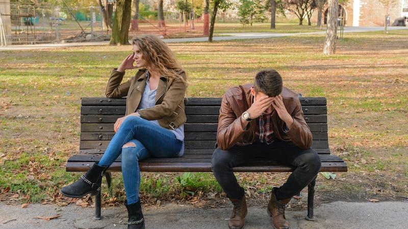 Jemanden nicht riechen können: Diese Psychologie steckt dahinter