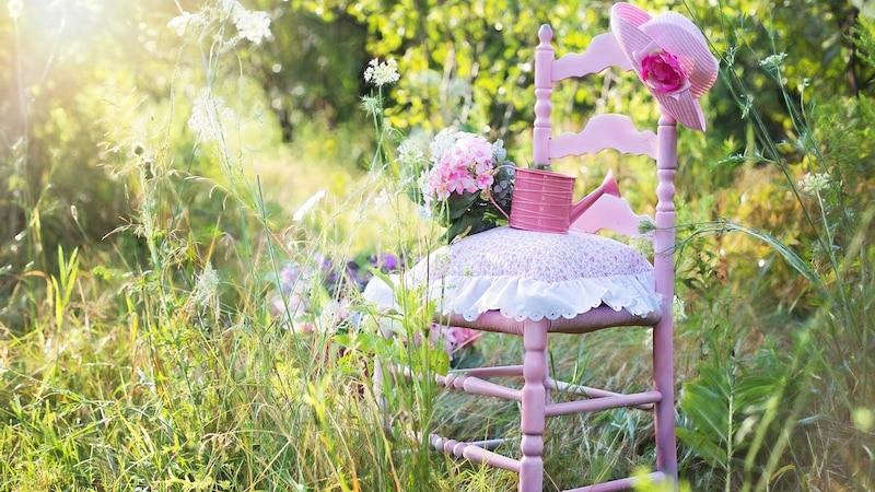 Entrümpeln Sie Ihren Garten einmal im Jahr.