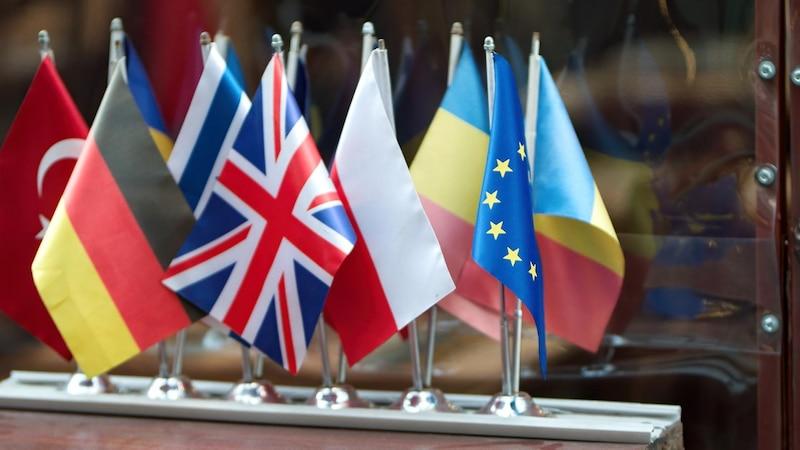 Die ESMA (European Securities and Markets Authority) beaufsichtigt und kontrolliert den europäischen Finanzmarkt
