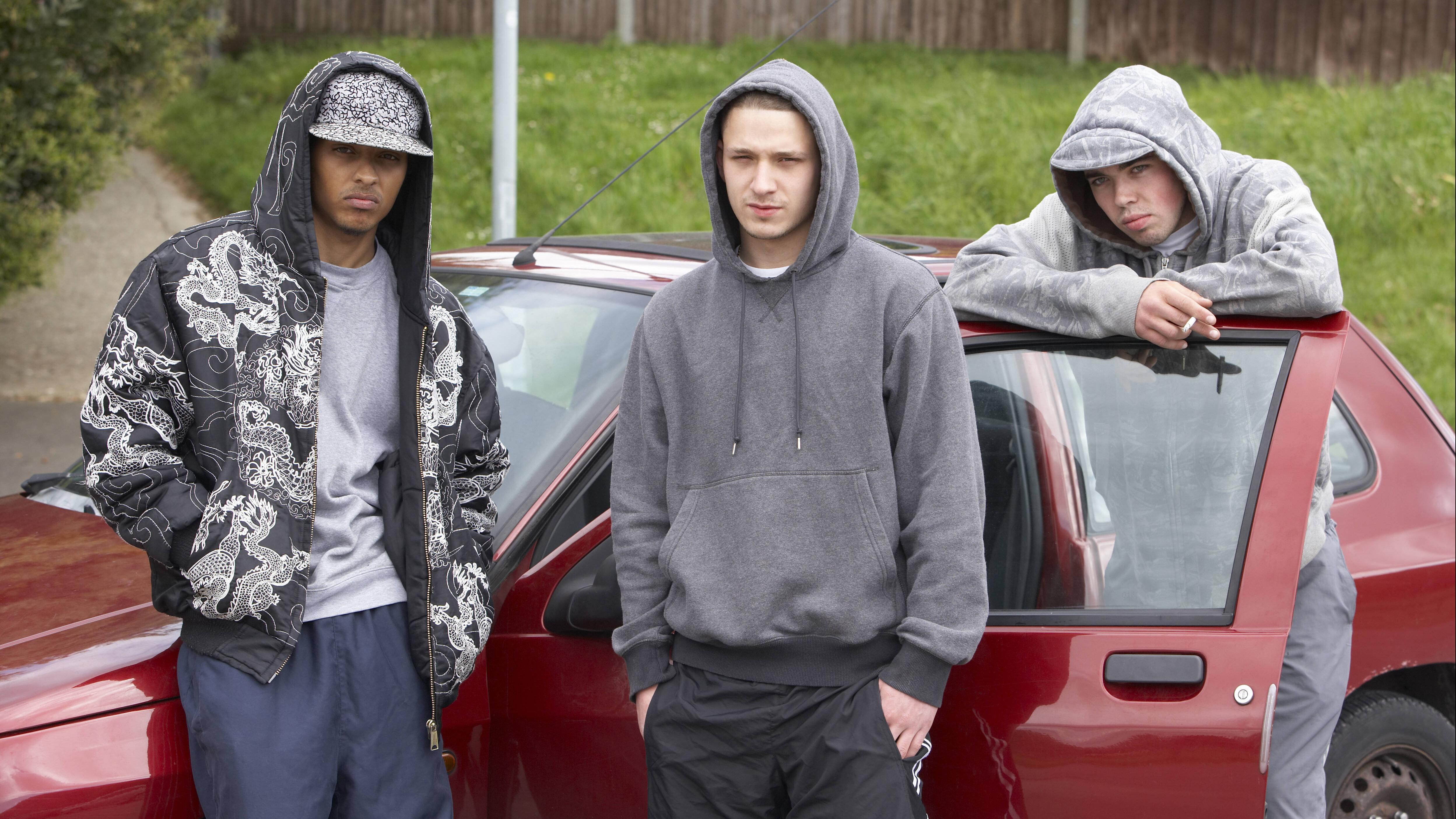 jugendliche,jugendgang,clique *** teenager,youth gang,clique l62-5ev,model released, Symbolfoto