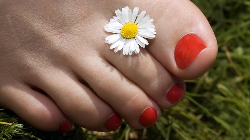 Pflege nachwachsender Nägel - das müssen Sie beachten
