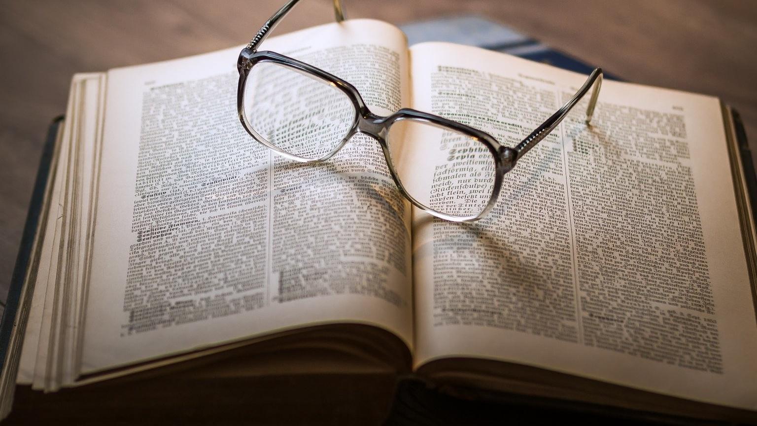 Einen Stein im Brett haben: Bedeutung und Herkunft der Redewendung