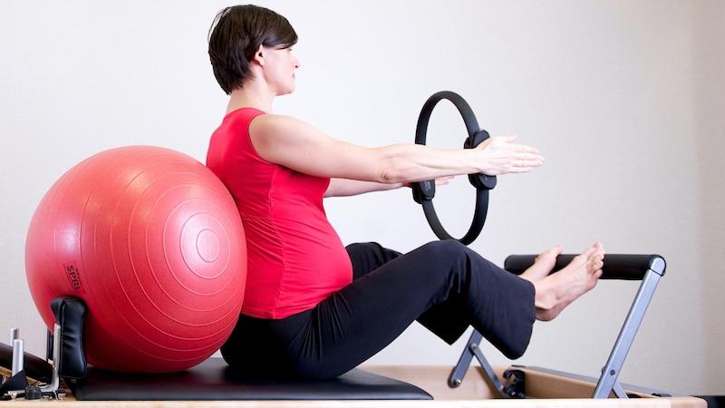 Nach Geburt Druck auf Scheide: Beckenbodentraining kann helfen
