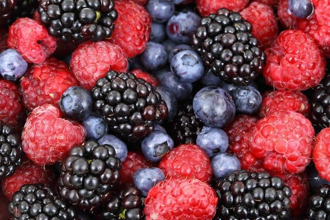 Beeren sind Obst, dass sich problemlos gefroren aufbewahren lässt.