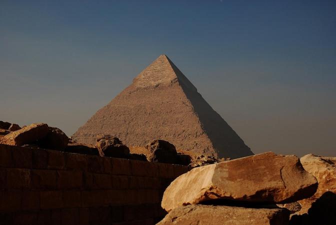 Orgonit-Pyramide: Das steckt hinter dem Energiekörper