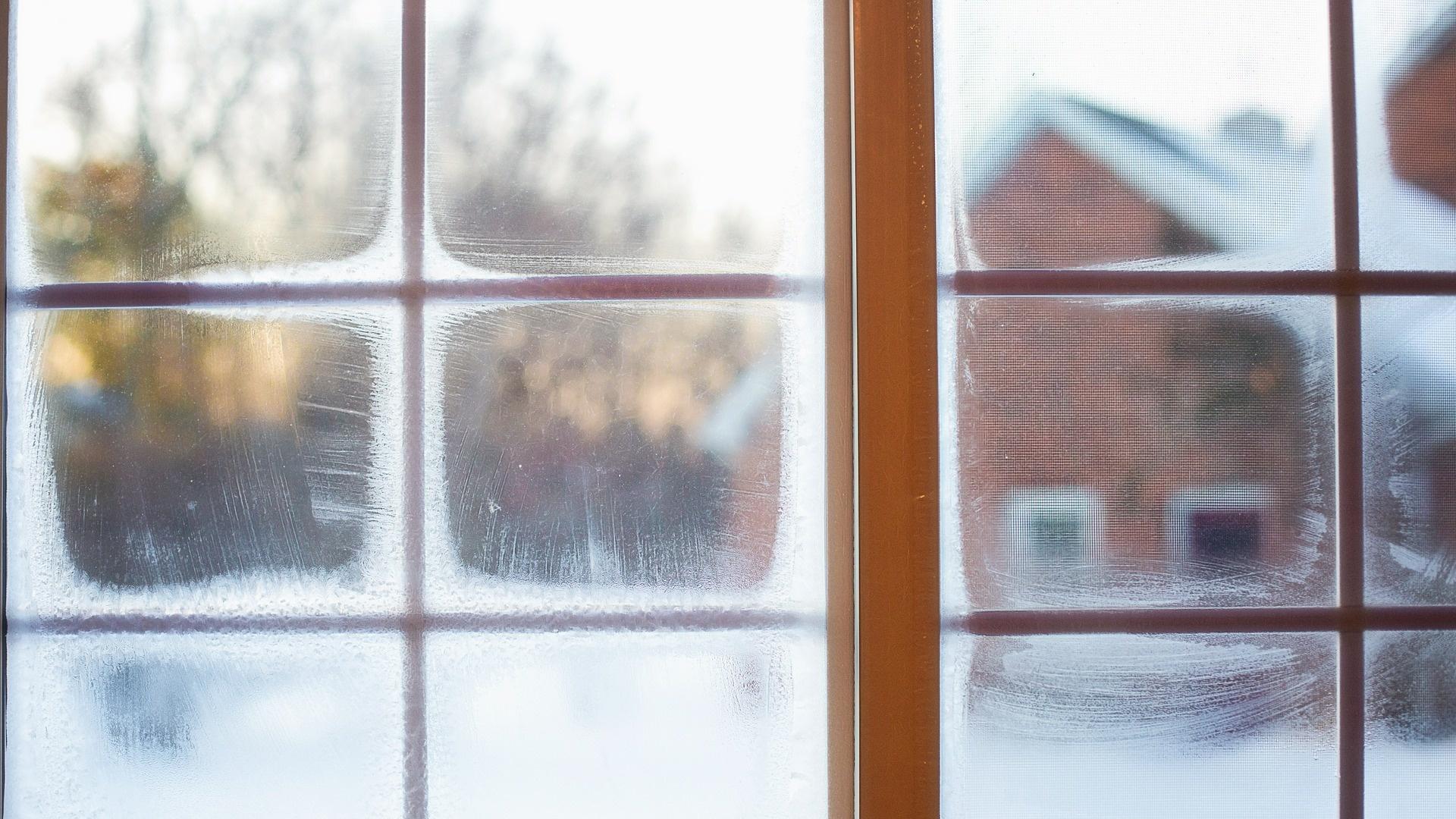 Fenster im Winter putzen - das müssen Sie beachten