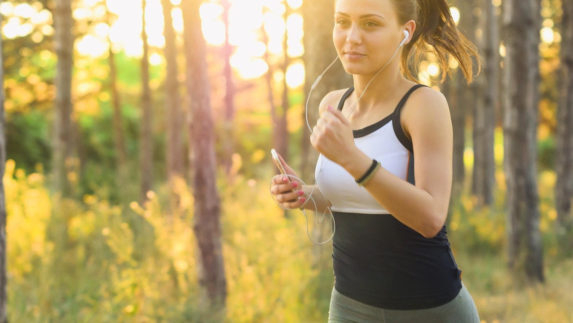 In der Nacht joggen: Ist das gesund oder gefährlich? Einfach erklärt