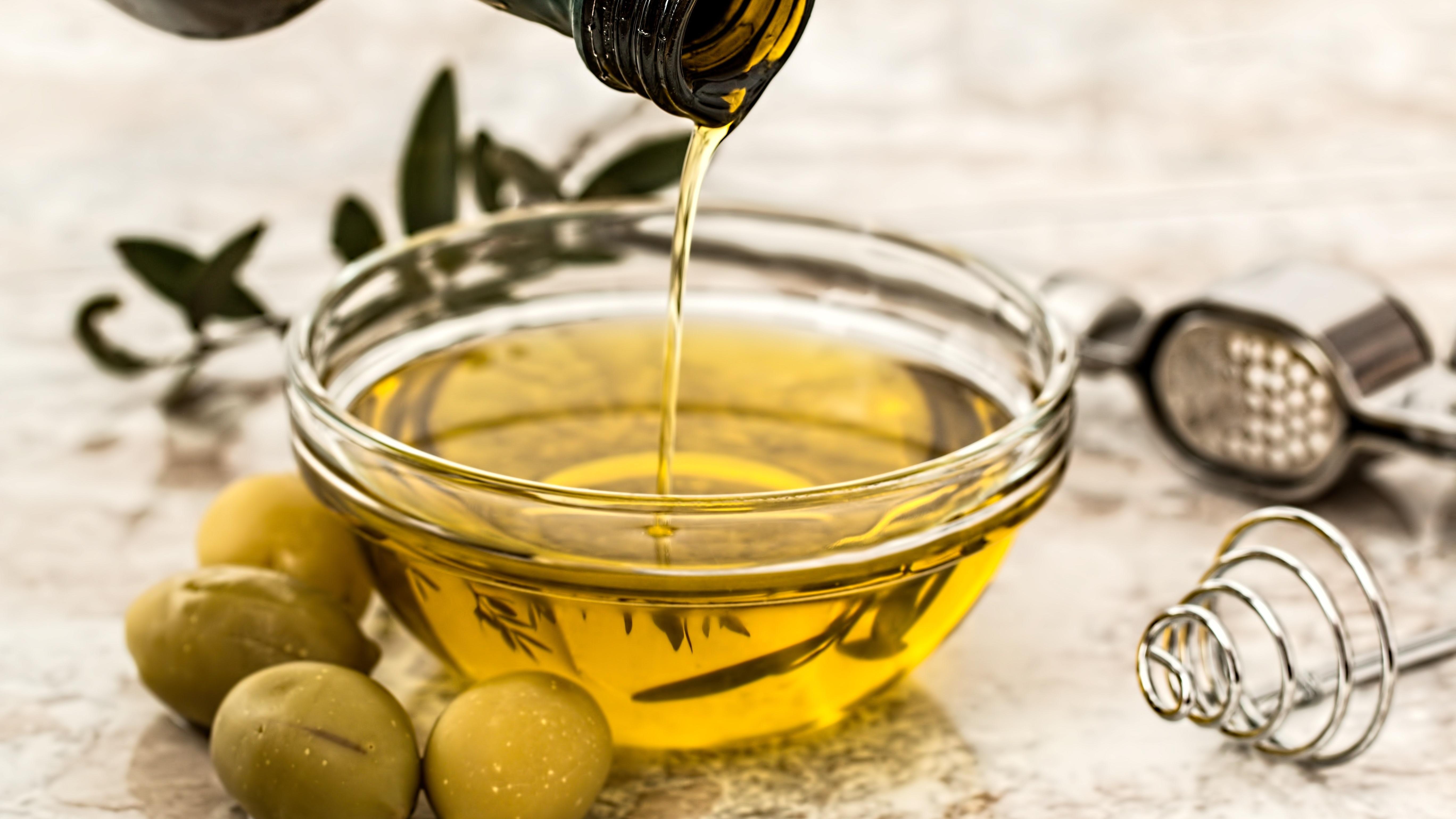 Olivenöl herstellen - so funktioniert es