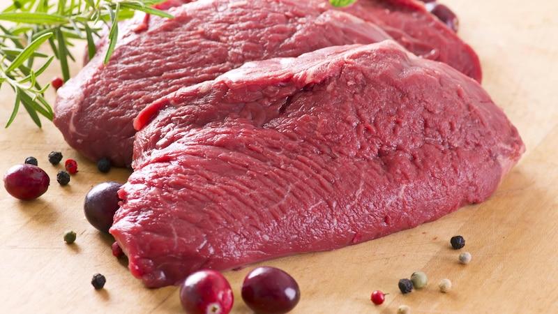 Bei Fleisch sollten Sie unbedingt auf das Verfallsdatum achten.