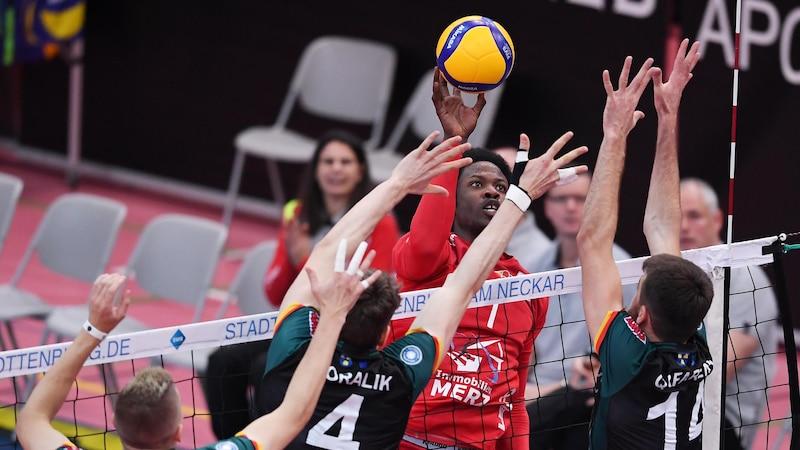 In einem Volleyballspiel existieren fünf verschiedene Positionen.