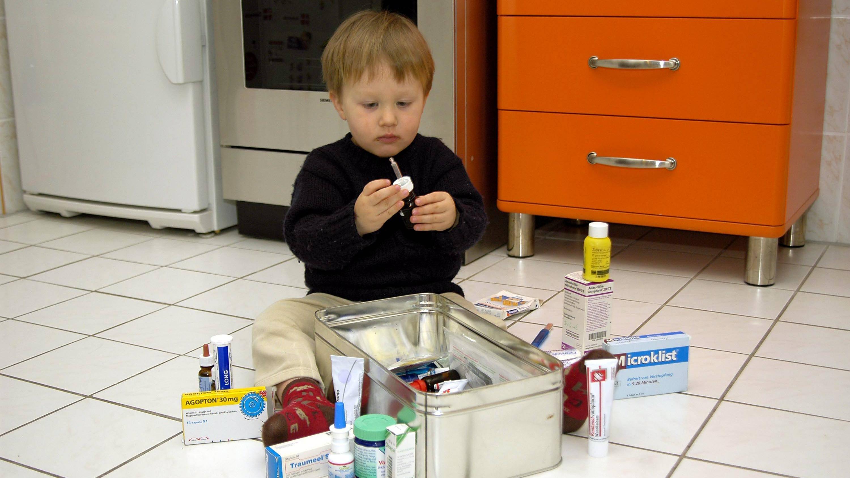 Medikamente sollten immer sicher vor Kindern aufbewahrt werden.