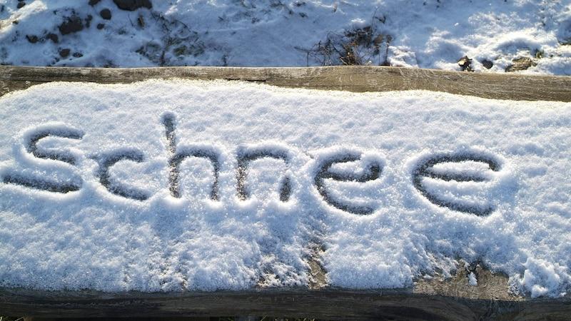 Schnee essen: Wie gefährlich ist  es wirklich?