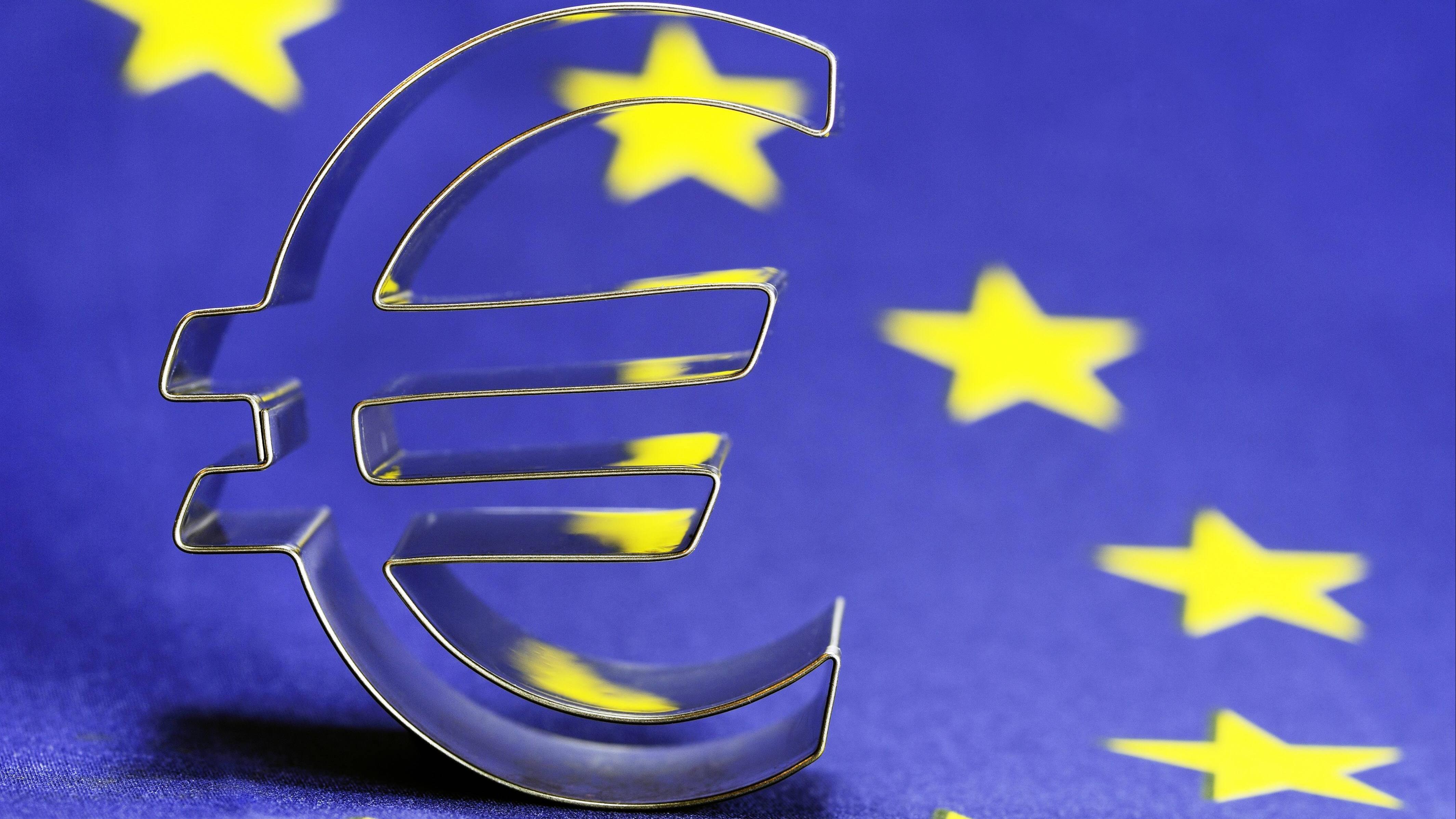 Die Maastricht-Kriterien regeln die Aufnahme in die Europäische Wirtschafts- und Währungsunion.