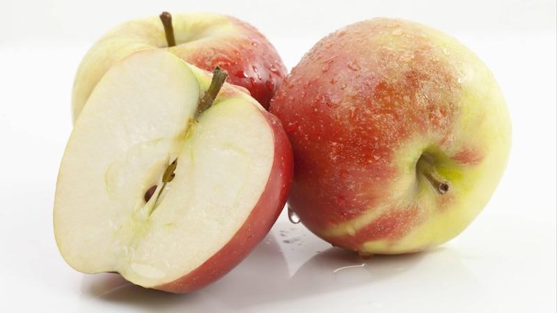 Äpfel stillen den Heißhunger nach zuckerhaltigen Lebensmitteln und sind gut für die Verdauung.