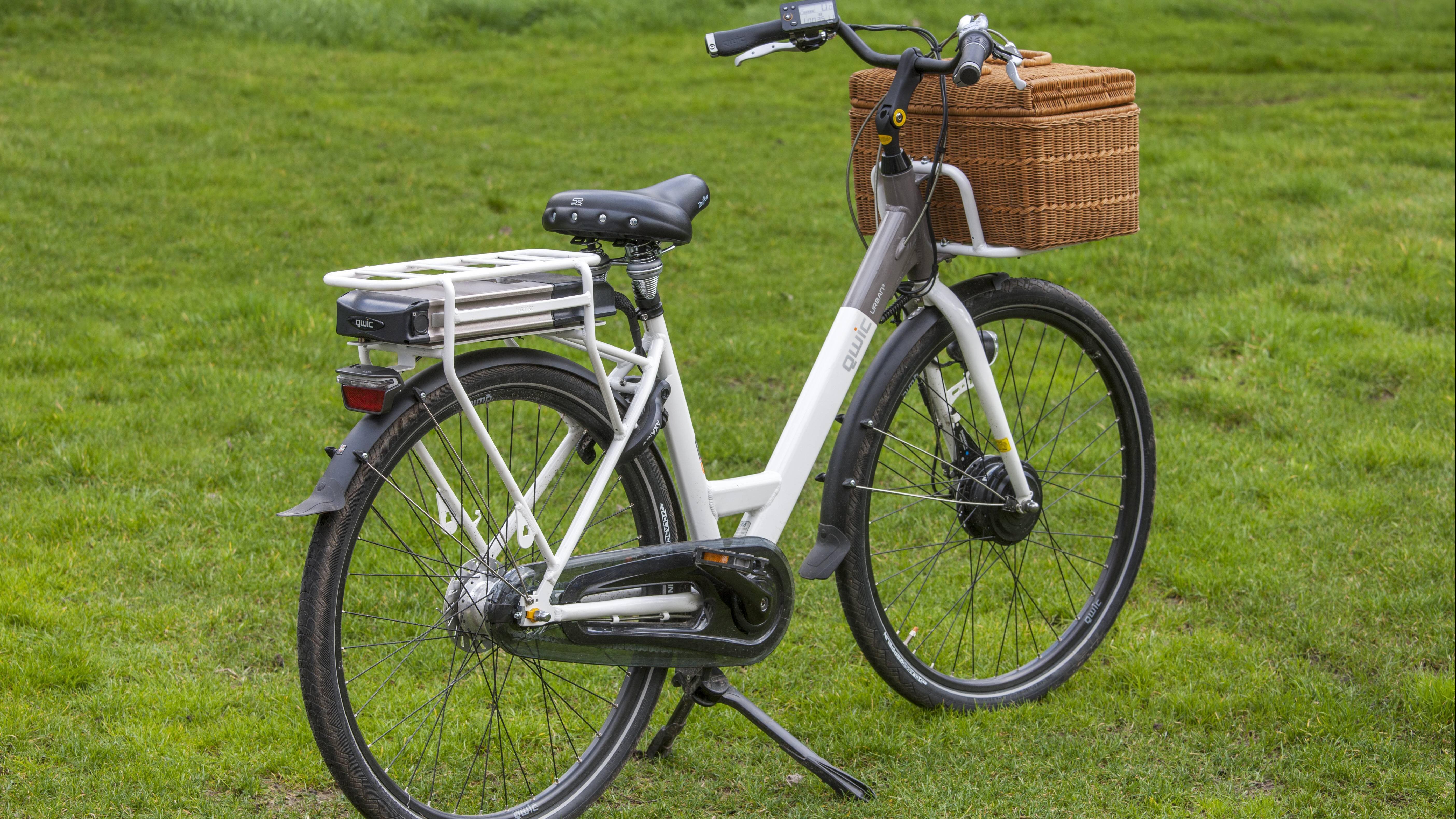Wegen der Kälte gibt es im Winter beim Fahren mit dem E-Bike einiges zu beachten.