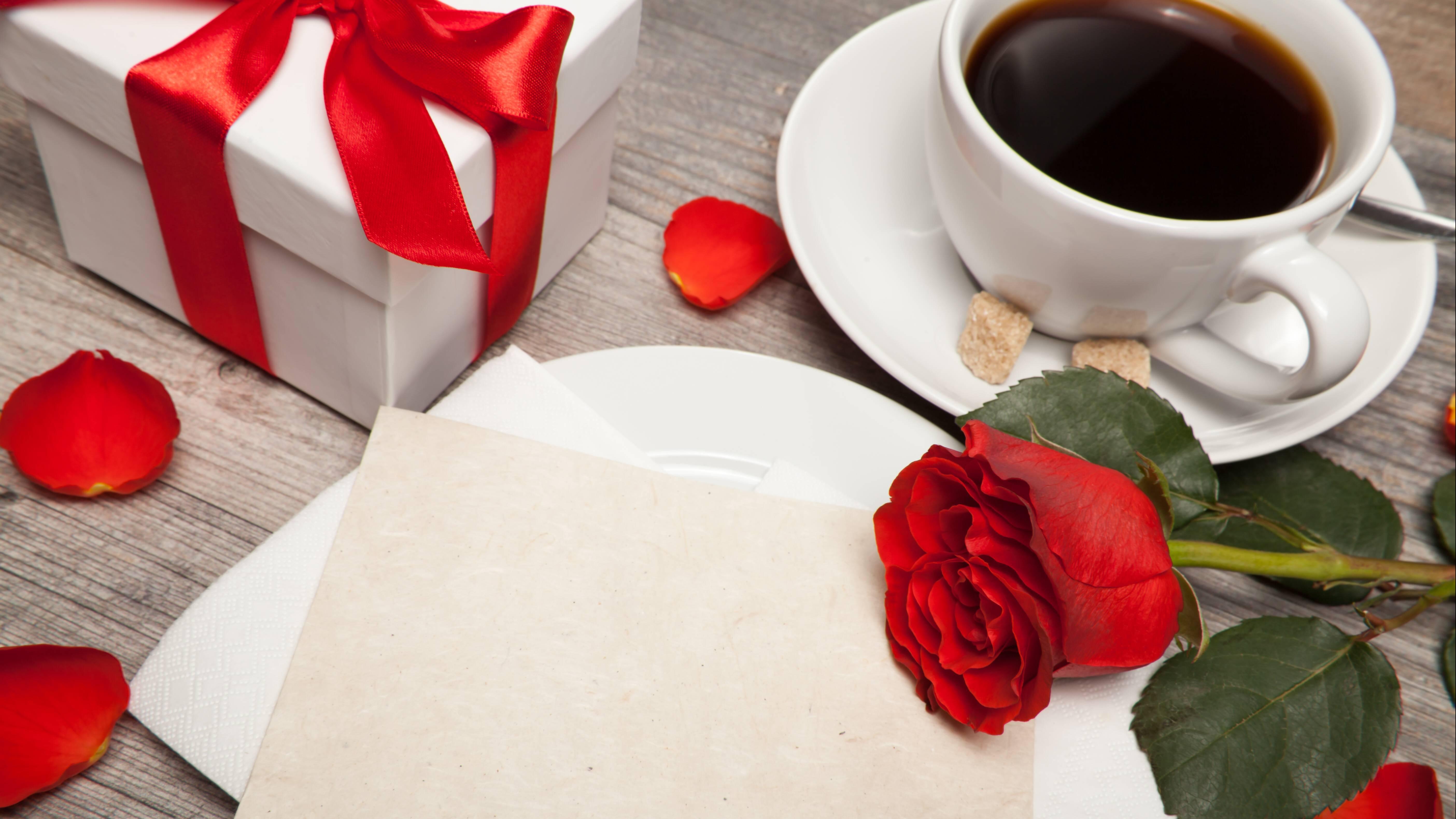 Kreative Glückwünsche zum Hochzeitstag für befreundete Pärchen oder um dem eigenen Partner seine Aufmerksamkeit und Liebe auszudrücken.
