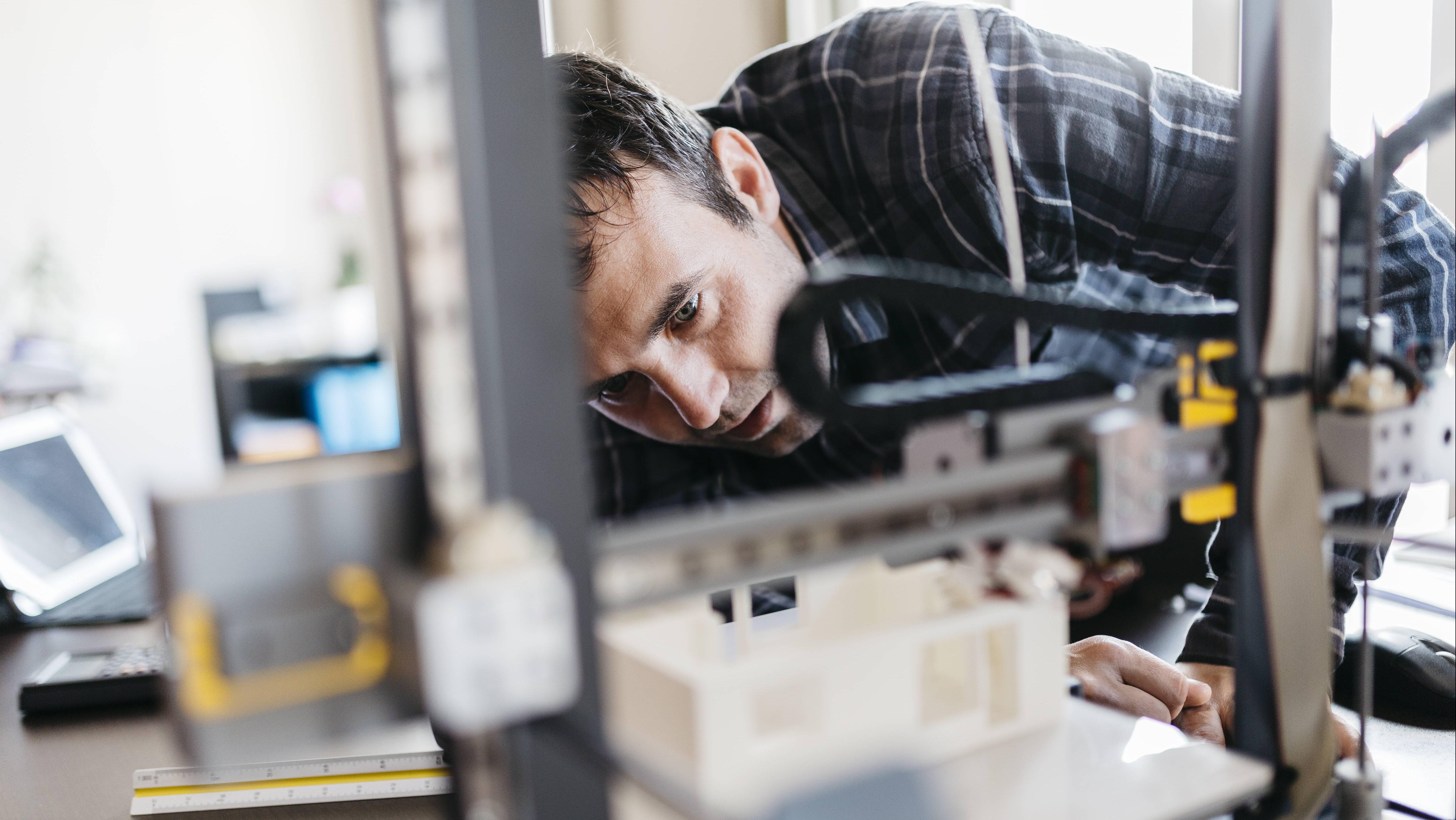 Warping beim 3D-Druck verhindern Sie mithilfe entsprechender Maßnahmen.