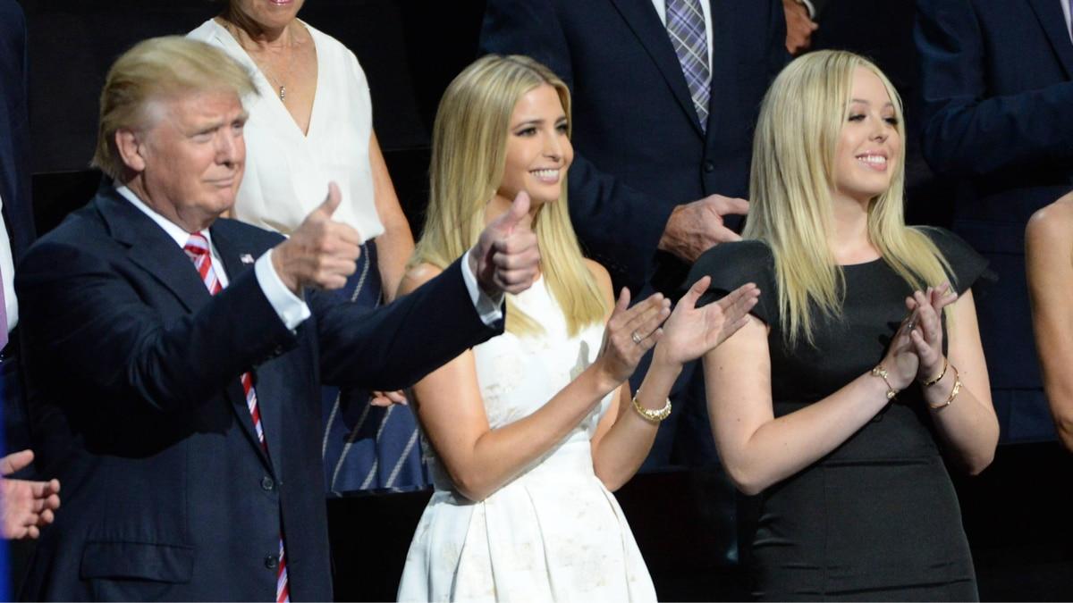 V.l.: Vater Donald mit seinen Töchtern Ivanka und Tiffany 2016