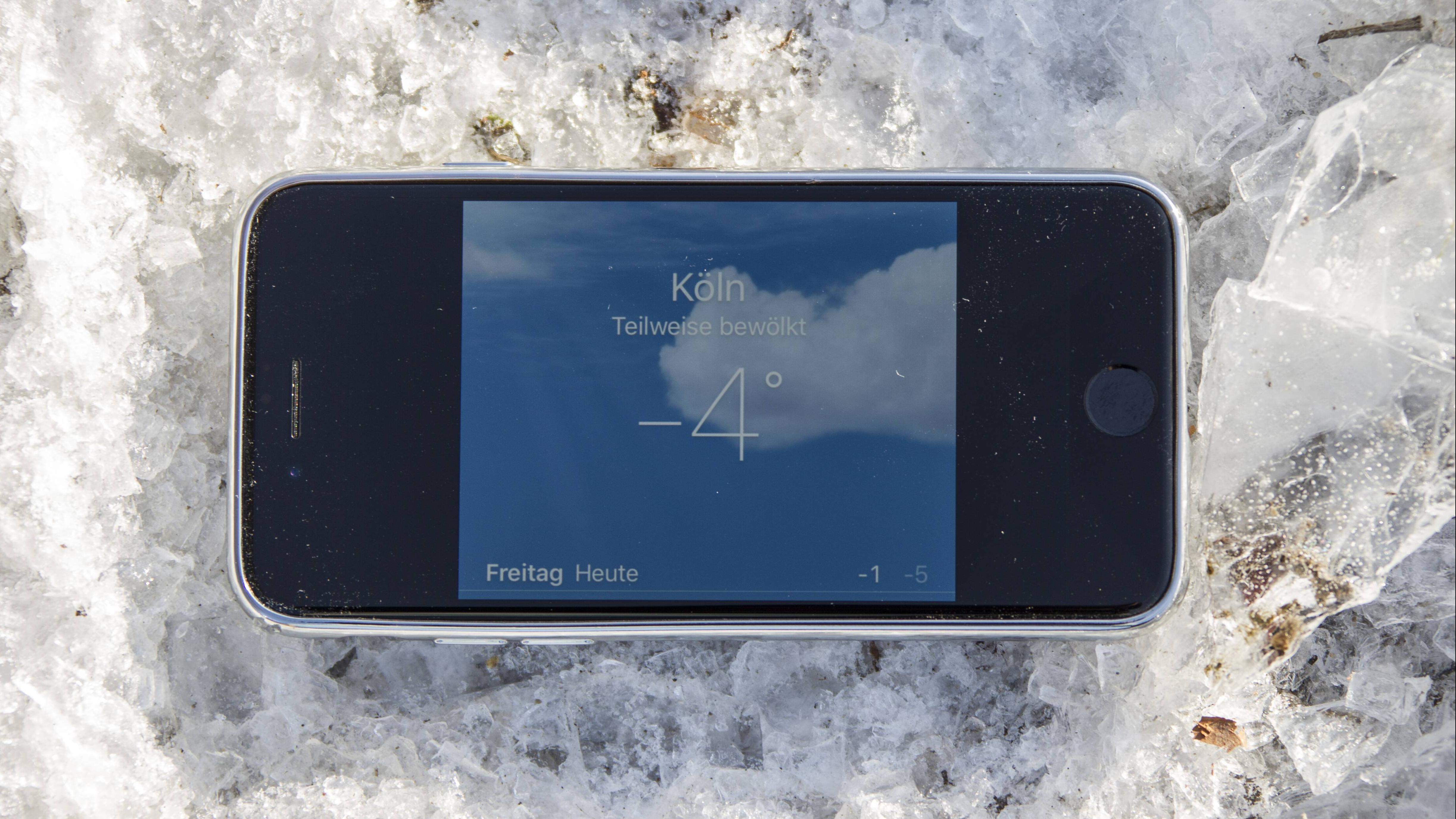 Im Winter: Warum der Handyakku bei Kälte schneller leer geht