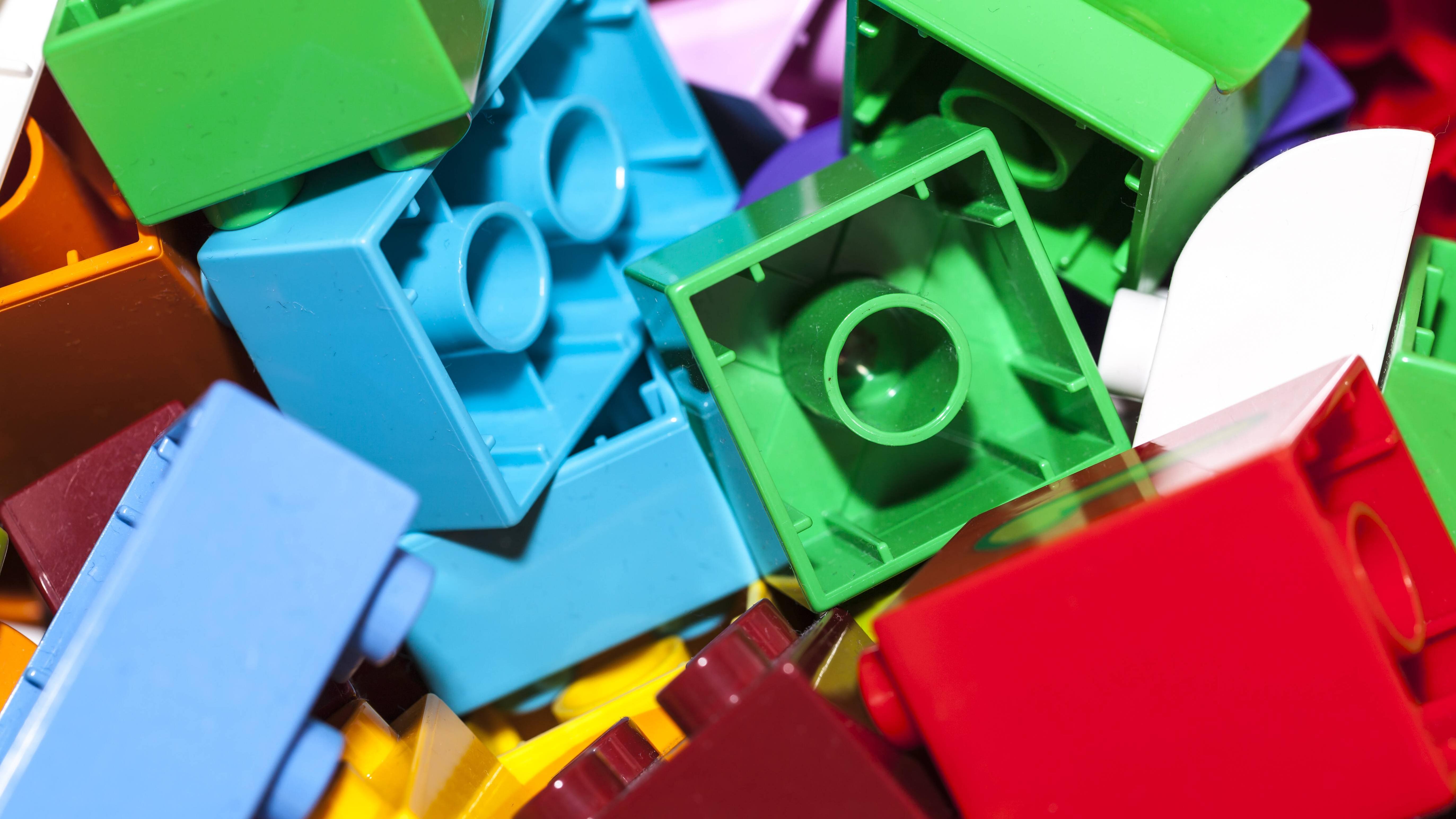 Mit Lego-Bausätzen lässt sich ein Adventskalender wunderbar füllen.