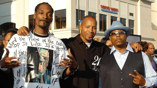 Snoop Dogg (l.) neben den Hip-Hop-Kollegen Warren G und Nate Dogg (r.)