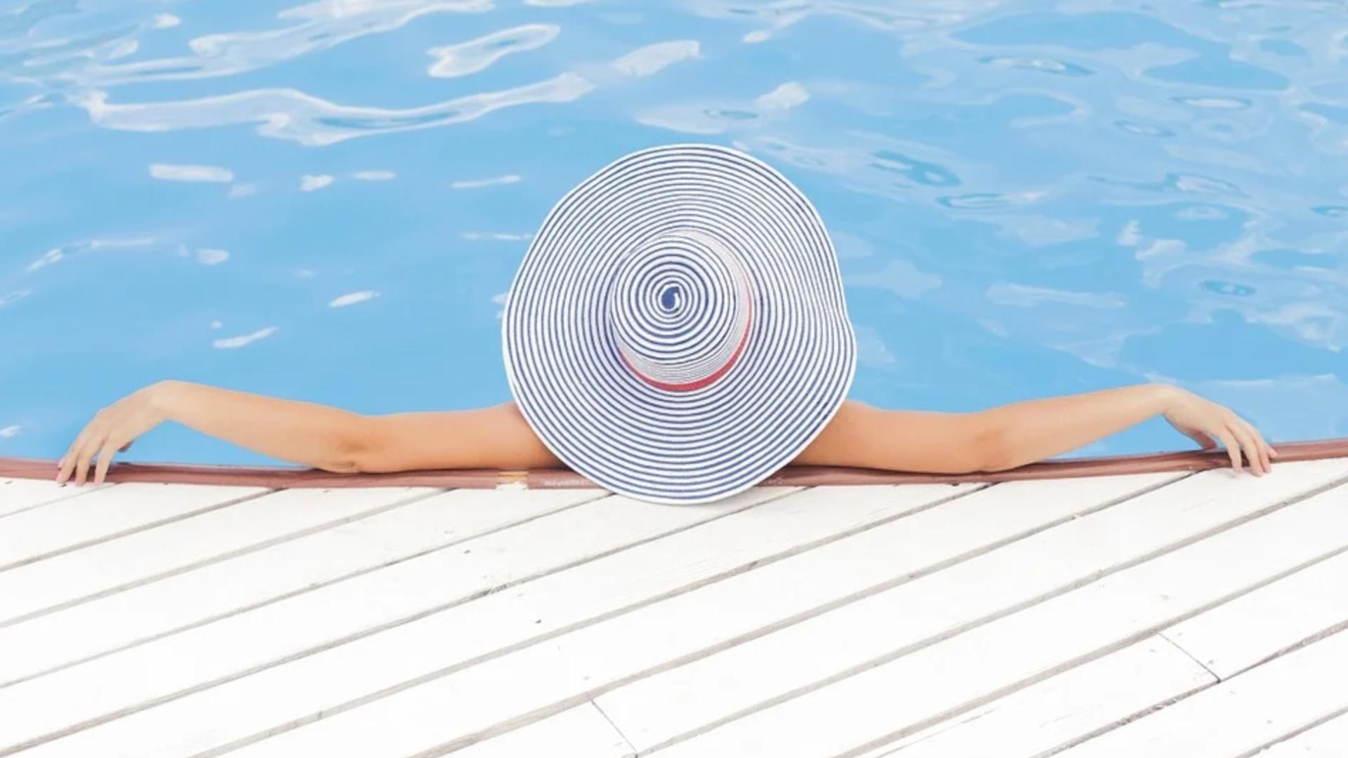 Um einen Pool winterfest zu machen, müssen Sie einige Vorbereitungen treffen.