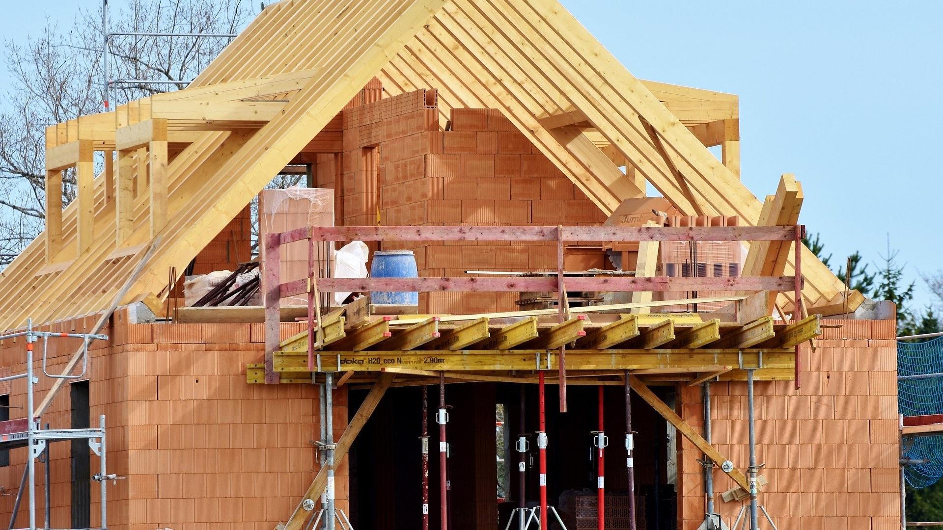 Über die korrekte Entsorgung des Lehmbodenaushubes sollten sich Bauherren schon im Vorfeld Gedanken machen.
