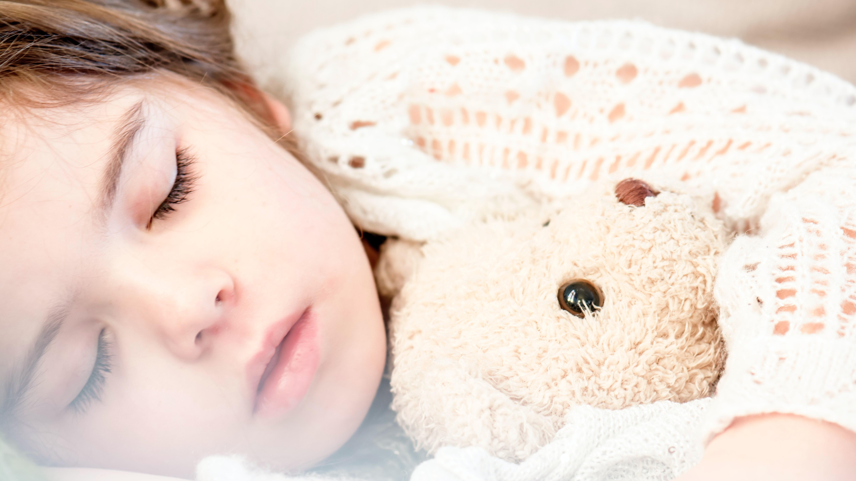 Bauchschmerzen bei Kindern - Daran kann es liegen